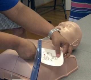 CPR by Bystanders Saves Cardiac Arrest Victims , Study Finds