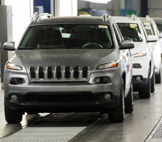 Fiat Chrysler Recalls 206k Jeep Cherokees Over Wiper Defect