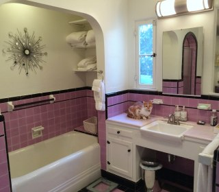 See What This Retro Bathroom Looks Like After Massive Makeover