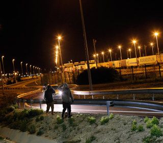 Chaos in Calais: Migrants Attempt Journey Through Eurotunnel