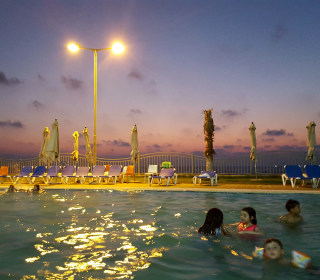 Gaza Resort Offers Luxurious Escape in War-Torn Land