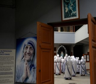Nuns Mark Mother Teresa's 105th Birthday