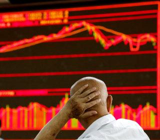 China Shuts Down 165 Online Accounts Over False Rumors