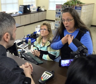Kentucky Clerk Kim Davis Defies Supreme Court, Turns Down Gay Couples