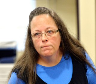Kentucky Clerk Kim Davis Obeying Orders in Gay Marriage Case, Judges Rules