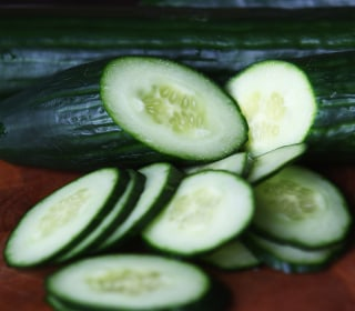 Salmonella Linked to Cucumbers Kills 1, Sickens 285