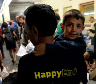 Thousands of Migrants and Refugees Cross Into Austria From Hungary