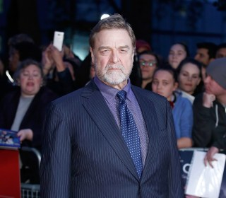 John Goodman Shows Off Dramatic Weight Loss on 'Trumbo' Red Carpet