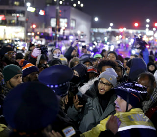 Protesters Block Chicago Streets Over Video of Laquan McDonald's Killing