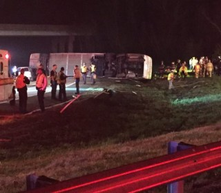 33 Injured as Bus Transporting Virginia College Students Overturns
