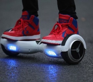 Amazon Now Giving Refunds on Hoverboards, Govt. Says