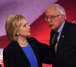 Clinton Questions Whether Sanders Has a Foreign Policy Network