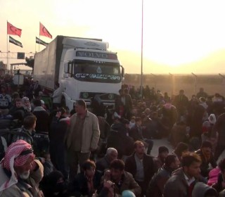 New Syria Crisis: Tens of Thousands Flee 'Siege of Aleppo'