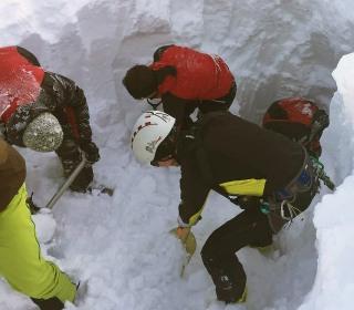 Five Killed in Avalanche in Austria's Skiing Region: Police