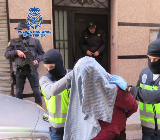 Spanish Raids Net Seven Suspected of Supplying Cash, Weapons to ISIS