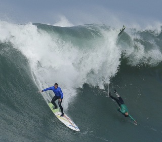 Big-Wave Surfers Compete at Mavericks After Two-Year Hiatus