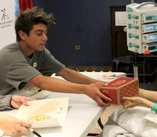 Teens Behind 'Damn Daniel' Video Donate Vans Shoes to Young Patients