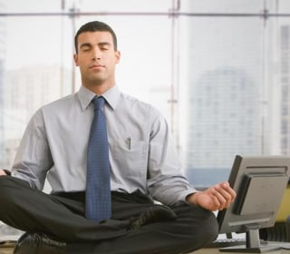 Learn to Meditate in 10 Minutes With These 8 Easy Tips