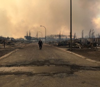 Fort McMurray Wildfire in Alberta Grows, Firefighters Hope for Rain