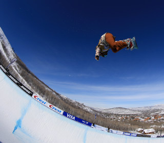 16-Year-Old Snowboarding Champion Chloe Kim Is Just a Regular Teenager