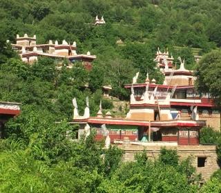 China Pouring Billions Into Majority Tibetan Ganzi Prefecture
