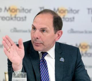 VA Secretary Bob McDonald Clarifies Comment Comparing Wait Times to Disneyland