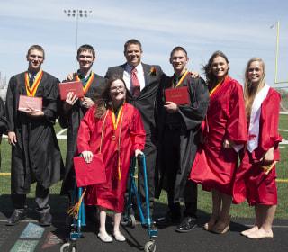 Milestone, Times Seven! Iowa Septuplets Head Off to College