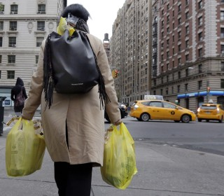 In New York's Chinatown, Nervous Support Ahead of Plastic Bag Fee