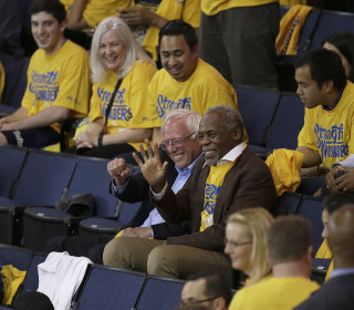 Bernie Sanders Takes in Warriors Game in Search of California Comeback