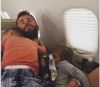 'Papa' Chris Hemsworth Takes Nap With Kids