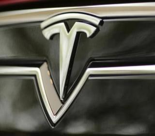 Feds Reviewing Tesla Model S Suspension Complaints