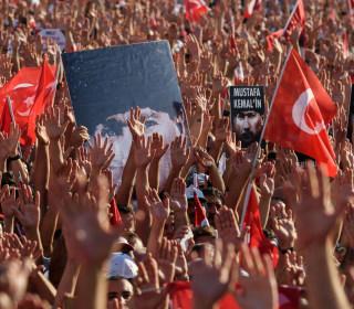 Turkey Detains Journalists in Erdogan's Post-Coup Crackdown