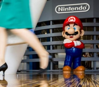 Nintendo Posts First-Quarter Loss, Delays Launch of Accessory for 'Pokemon Go'