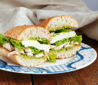 Wrap or Sandwich? How to Make Healthy Food Choices While Traveling