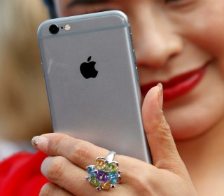 Apple Announces It Has Sold One Billion iPhones