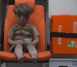 Cameraman Who Filmed Omran Daqneesh's Rescue in Aleppo Recounts Boy's Silence