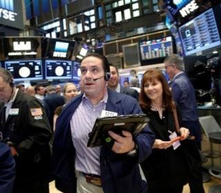 Dollar Gains, U.S. Yields Rise as Investors Await Fed Hike Signal