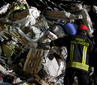 'Moment of Pain': Thousands Scour Central Italy for Survivors of Deadly Earthquake