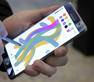 Samsung Galaxy Note 7 Owners Keep Using Their Fire-Prone Phones