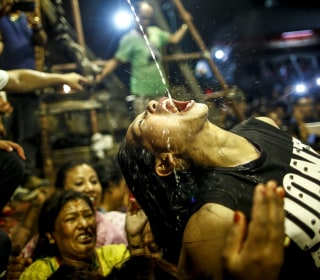 Today in Pictures: India Celebrates the End of Monsoon Season and More