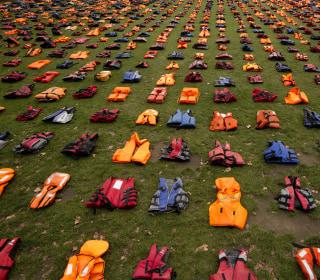 Life Jacket 'Graveyard' in London Highlights Refugee Crisis