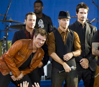 James Corden Brings Back Boy Bands With Backstreet Boys Performance