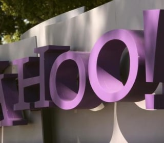 Some Yahoo Users Close Accounts Amid Anger, Security Fears