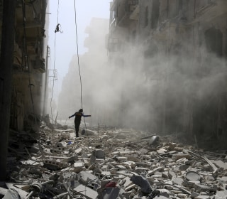 U.S. Officials: Thousands of Ground Troops Massing Around Aleppo