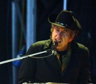Nobel Academy Member Calls Bob Dylan's Silence After Prize Win 'Arrogant'