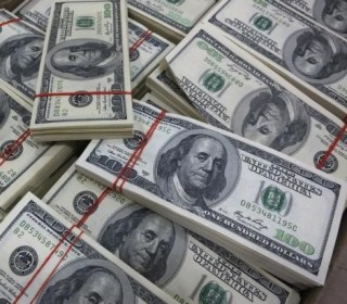 Dollar Charges to 14-Year High, Bonds in Full Swing