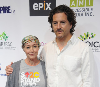 Shannen Doherty Shares Moving Photo After Chemo: 'Hope Is Possible'