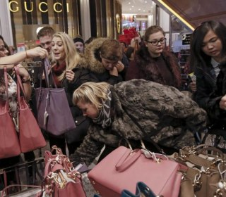When Is the Best Time to Go Holiday Shopping? We Have the Answers