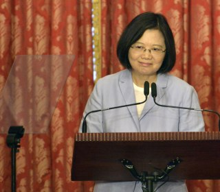 Trump Departs from U.S.-China Policy, Speaks with Taiwan's President