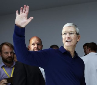 Cook Ups Apple Support for Fight Against AIDS